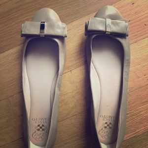 Vince Camuto beige flat with bow, barely used.